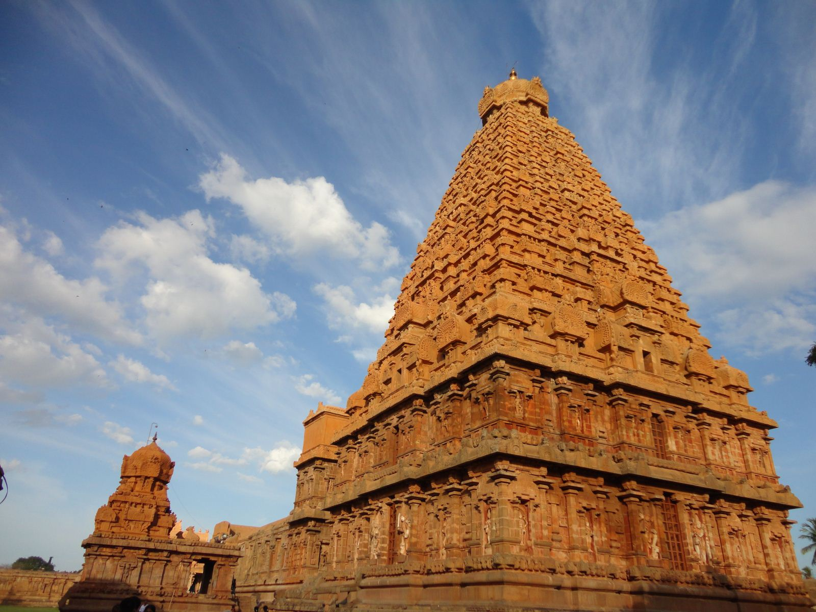 Bragatheeswarar Peruvudaiyar Temple Tanjore Temple